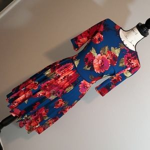 Beautiful Floral pleated dress